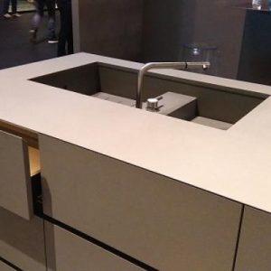 Top cucina come scegliere il materiale pi adatto a te design studio 25 - Top cucina in granito ...